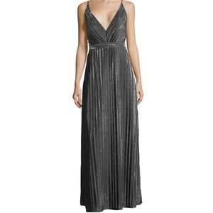 Laundry by Shelli Segal Metallic Gown!